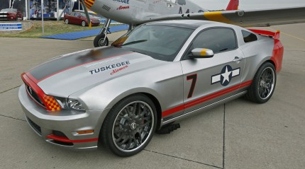 Red_Tails_Mustang_00051