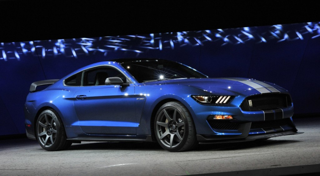 ShelbyGT350R_track_Mustang (10)