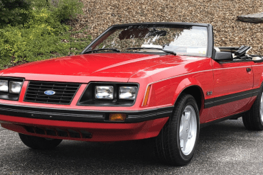 1983 ford mustang GLX