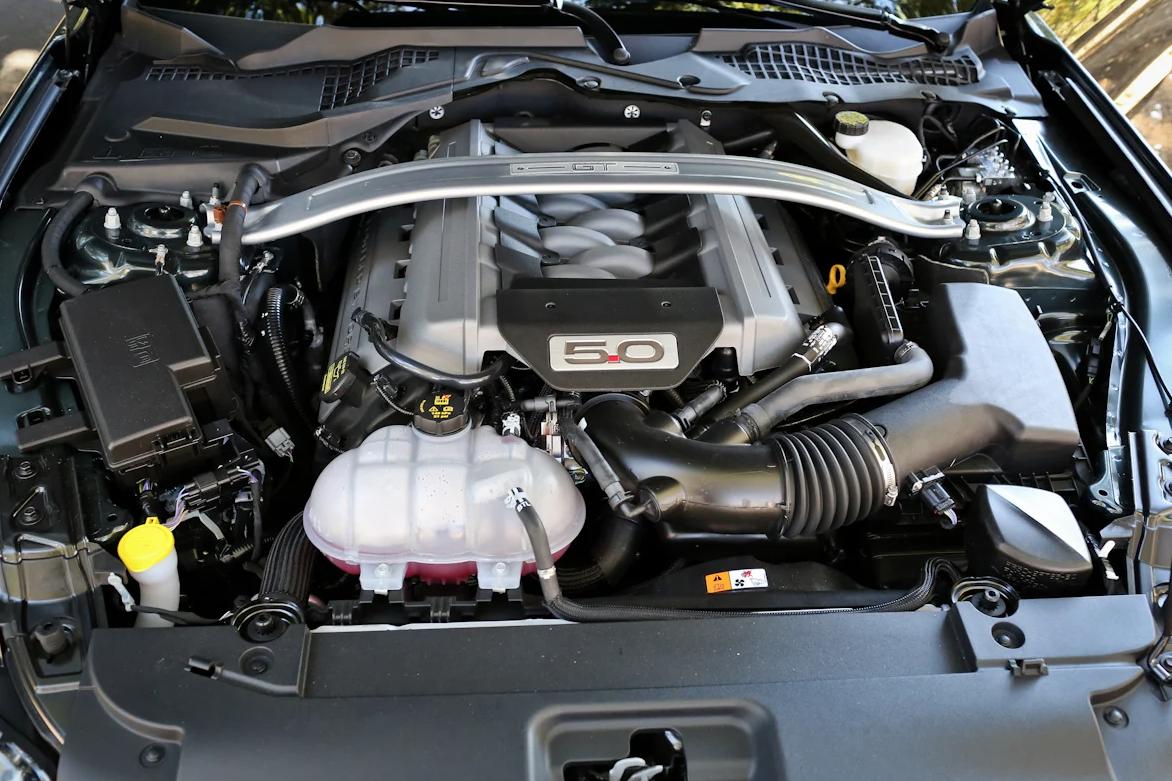 2013 mustang 5 liter v8