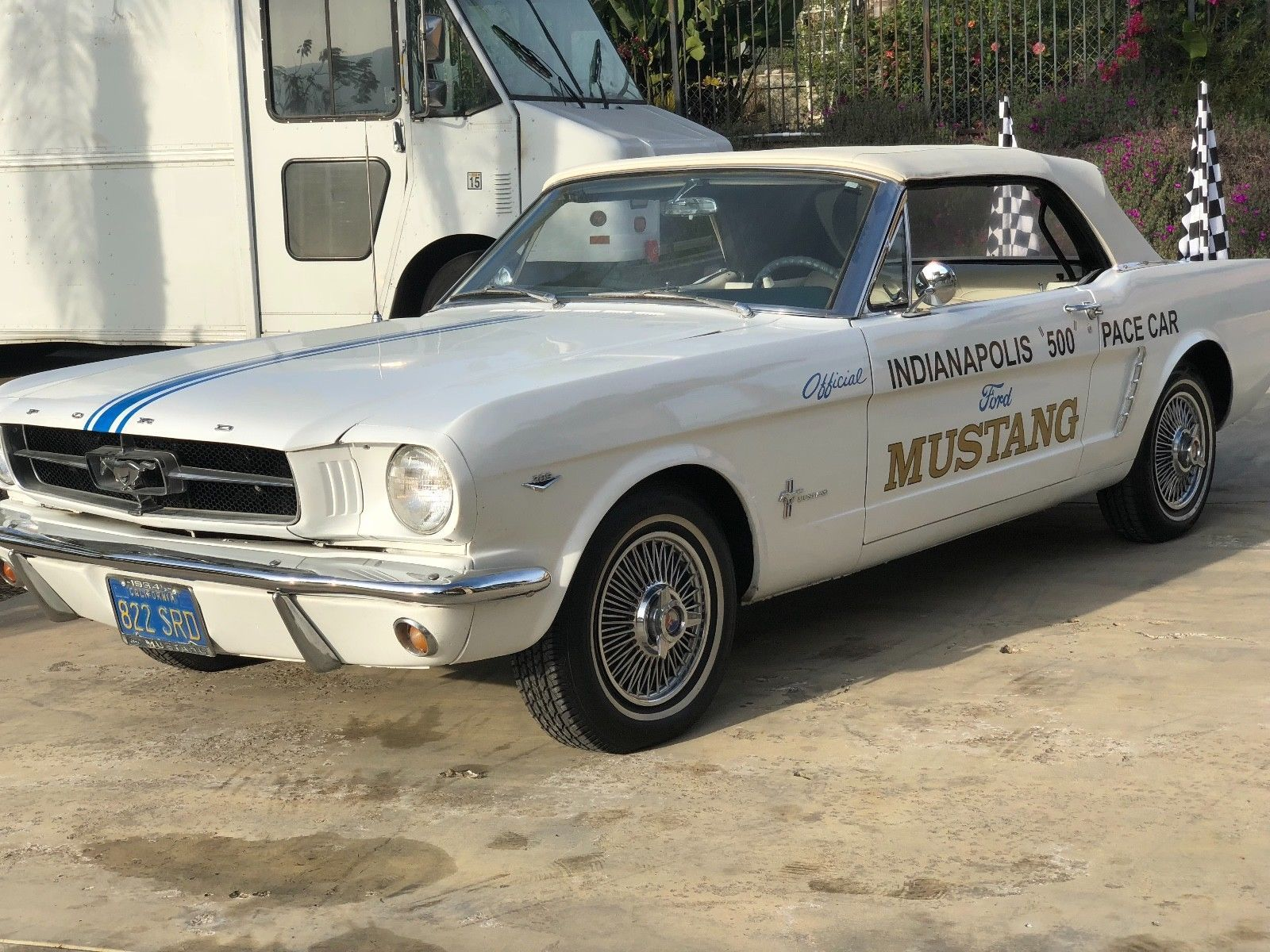 1964 Mustang White