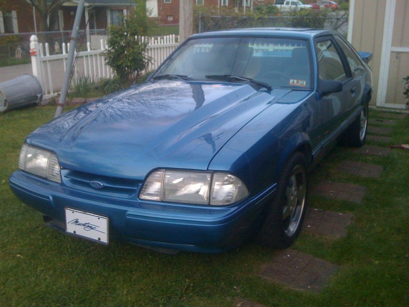 Bright Regatta Blue 1989 Ford Mustang