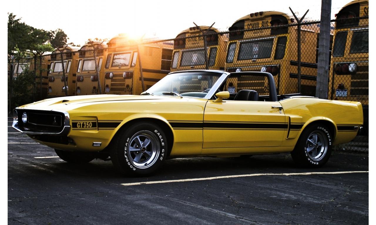 1969 GT350 in Grabber Yellow