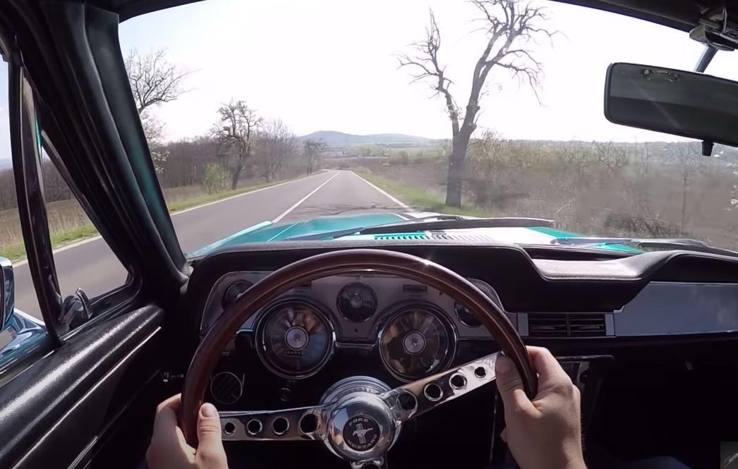 Ford Mustang 1967 289 Acceleration Run