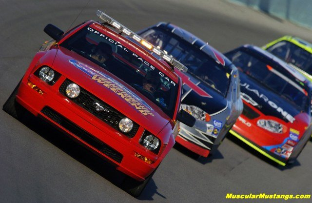 2005 GT500 Pace Car leads the pack