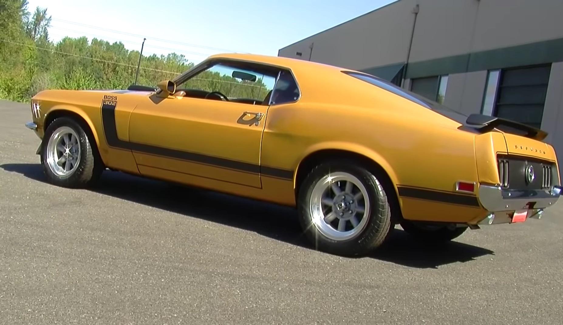 Video: Closer Look At A Metallic Gold 1970 Ford Mustang Boss 302