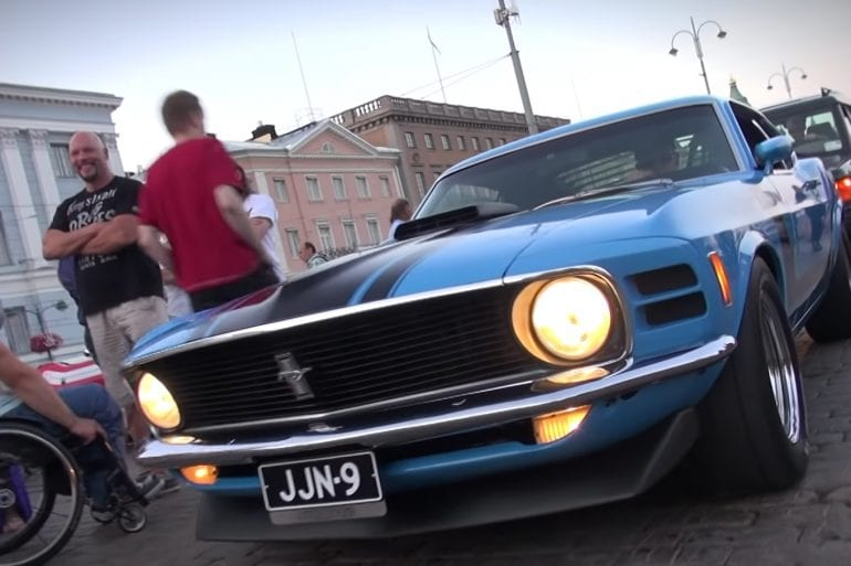 Video: 1970 Ford Mustang Boss 302 V8 Engine Sound