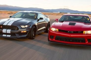 Video: 2016 Ford Mustang Shelby GT350R vs. 2015 Chevrolet Camaro Z/28 - Head 2 Head