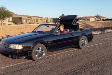 Video: 1988 Ford Mustang GT 5.0 Crazy Revs