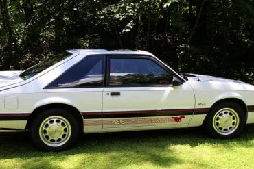 Video: 1989 Ford 25th Anniversary Mustang Walkaround