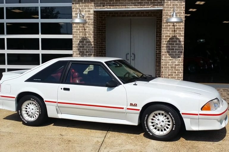 Video: 1990 Ford 25th Anniversary Mustang In-Depth Tour