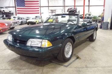 Video: 1990 Ford Mustang Spring Feature 25th Anniversary 7-Up Convertible Walkaround