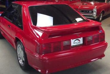 Video: 1992 Ford Mustang GT Revving Up