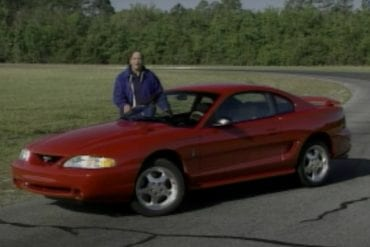 Video: 1994 Ford Mustang SVT Cobra Retro Review
