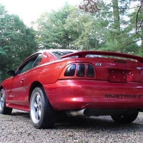 Video: 1996 Ford Mustang 4.6 Burning Some Serious Rubber!