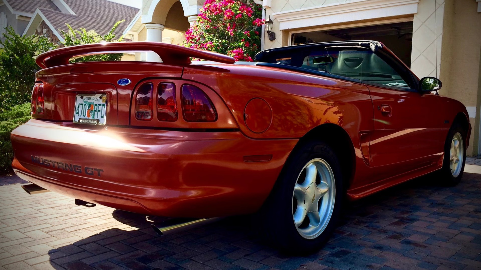 Video: Installing A Cold Air Intake On A 1997 Ford Mustang GT