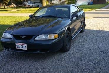 Video: 1998 Ford Mustang 3.8L V6 Walkaround