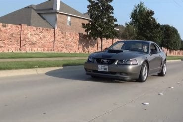 Video: 2001 Ford Mustang GT Driving Experience