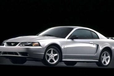 Video: 2001 Ford Mustang SVT Cobra Specs + Review