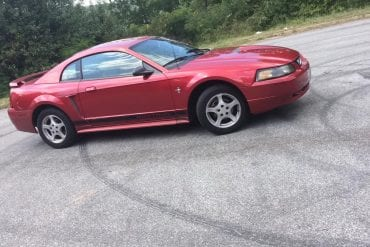 Video: 2002 Ford Mustang 3.8L V6 5-Speed In-Depth Tour