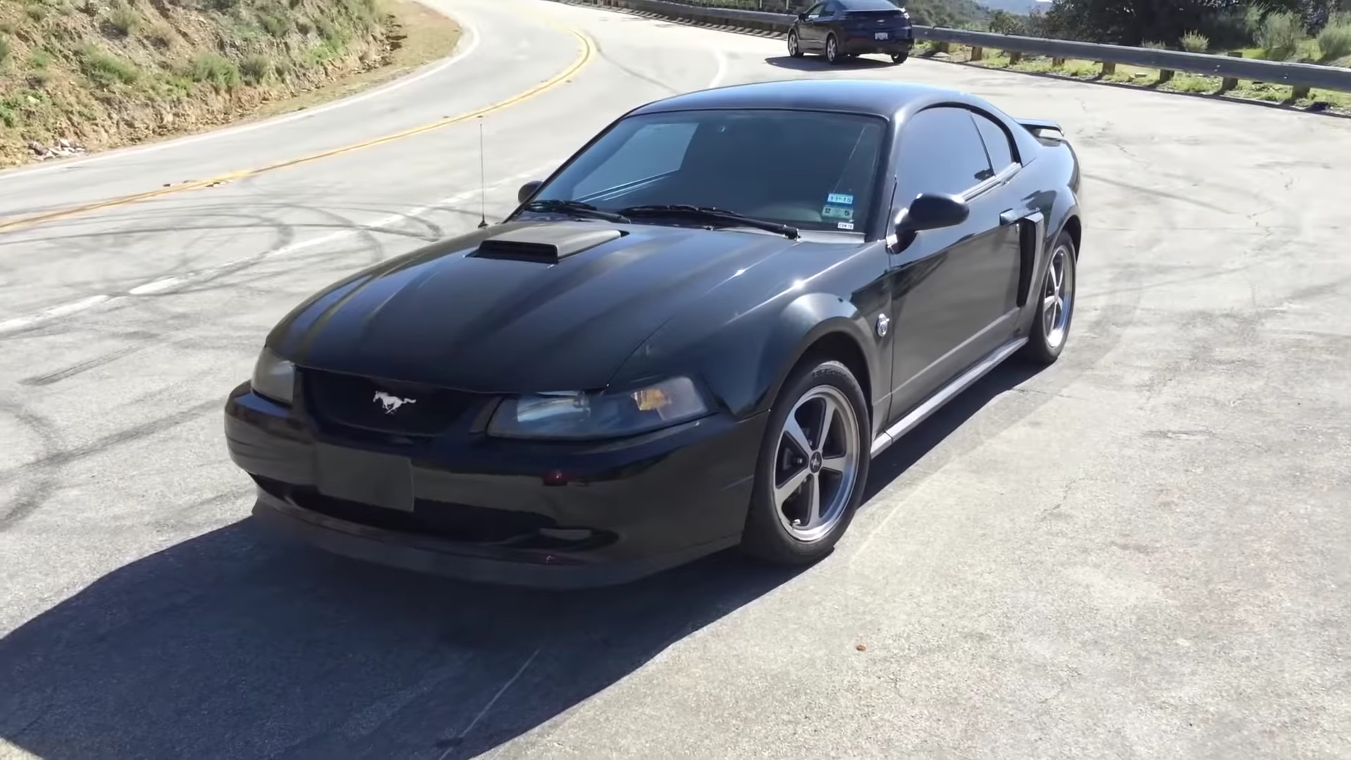 Video: 2004 Ford Mustang Mach 1 Complete Walkthrough