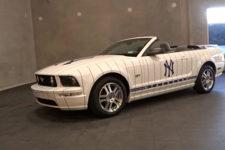 Video: 2005 Ford Mustang Yankees Limited Edition Walkaround