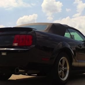 Video: 2007 Ford Mustang Walkaround + Exhaust Sound