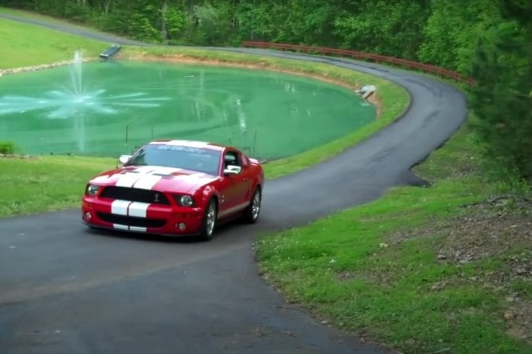 Video: 2007 Ford Mustang Shelby GT-500 Overview + Bonus Burnout!