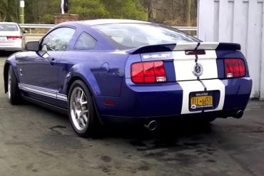 Video: 2007 Ford Mustang Shelby GT-500 With Flowmaster Exhaust Sound