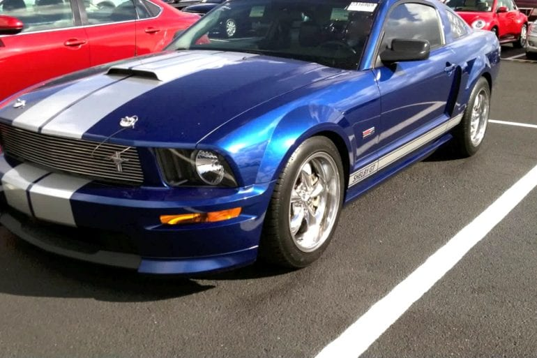 Video: 2008 Ford Mustang Shelby GT Start Up & Rev