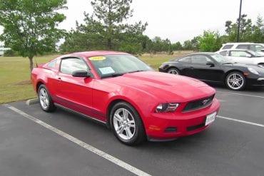 Video: 2010 Ford Mustang V6 Full Tour & Start-up