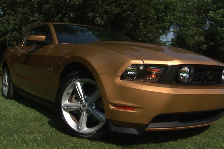 Video: 2010 Ford Mustang GT Premium Driving Experience