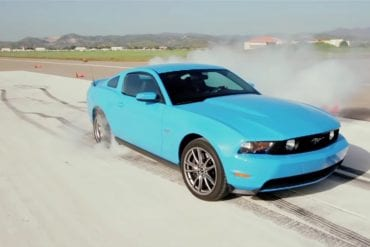 Video: 2011 Ford Mustang GT First Test