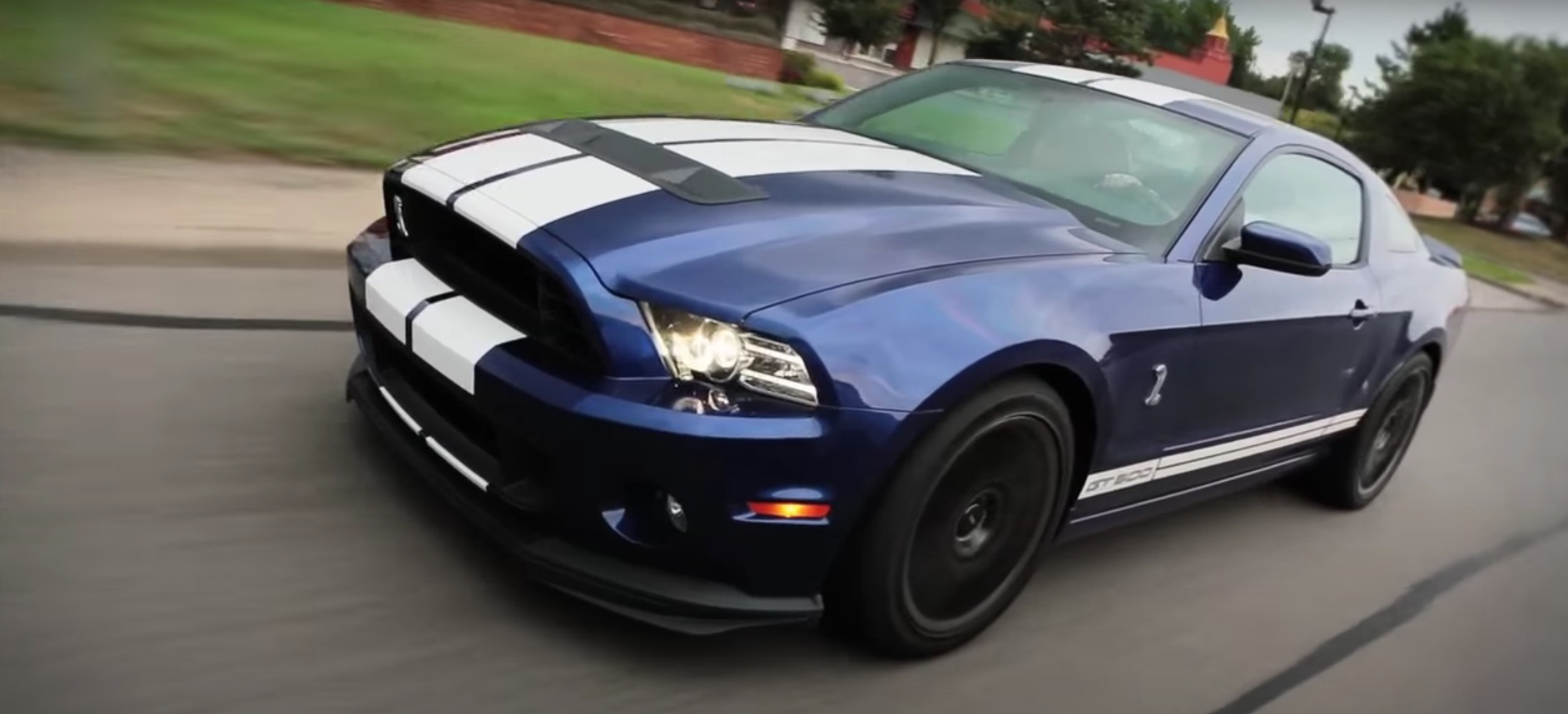 Video: 2012 Ford Mustang GT500 & 2012 Chevrolet Camaro ZL1 - Which Is Better?
