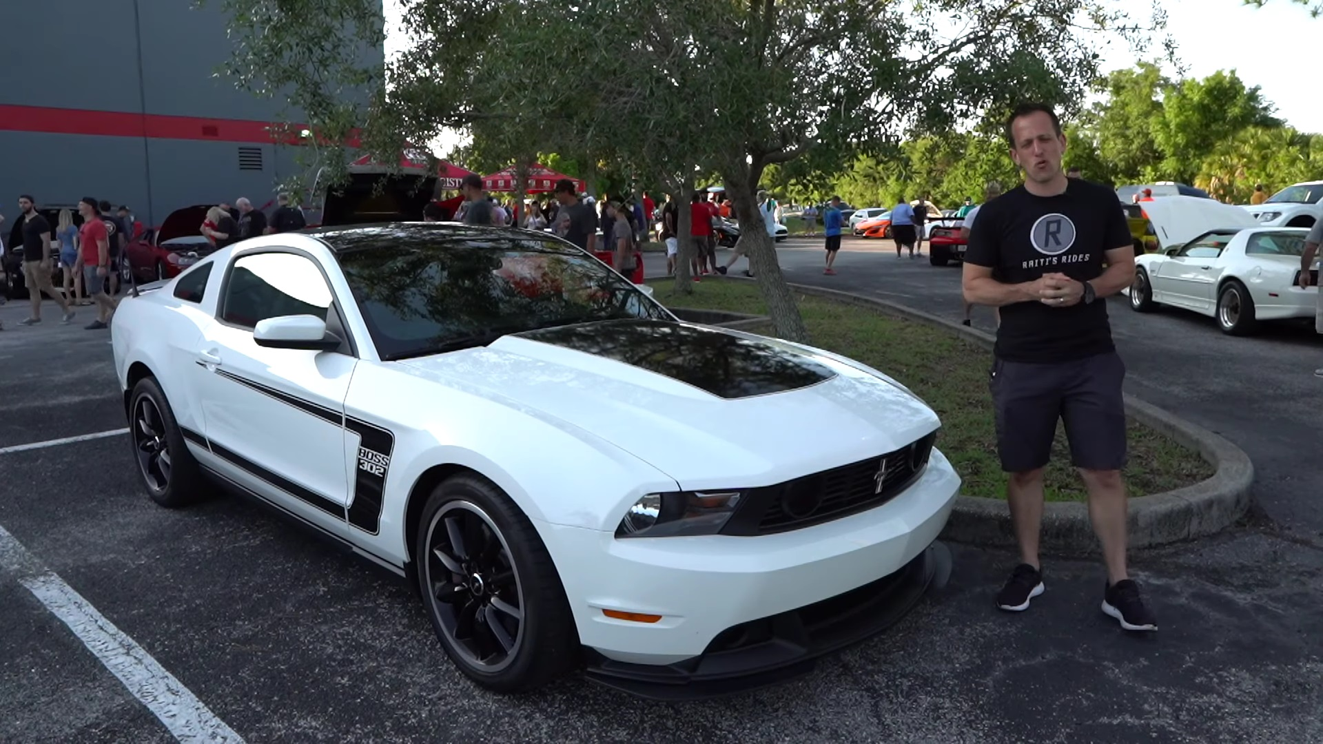 Video: Is The 2012 Ford Mustang Boss 302 Worth It Or Not?