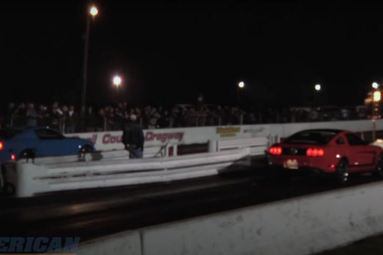 Video: 2012 Ford Mustang Boss 302 vs. 2011 Mustang GT Drag Race