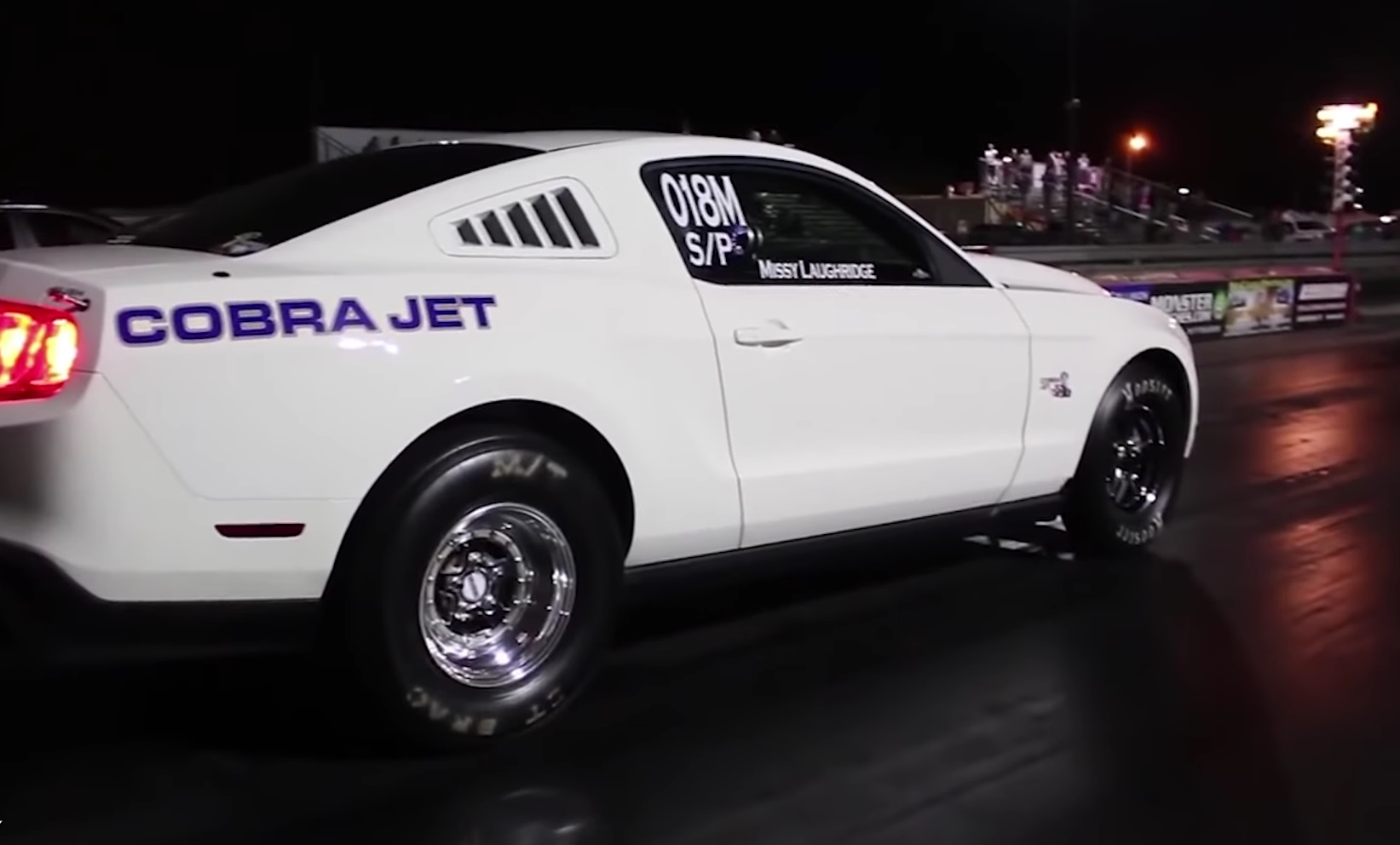 Video: 2012 Ford Mustang Cobra Jet vs Dodge Demon Drag Race