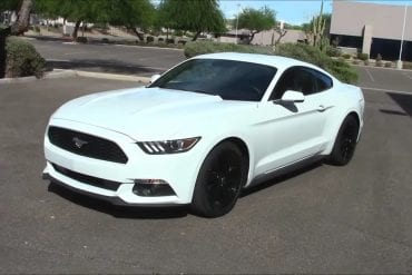 Video: 2015 Ford Mustang EcoBoost -Performance & Fuel Consumption Test