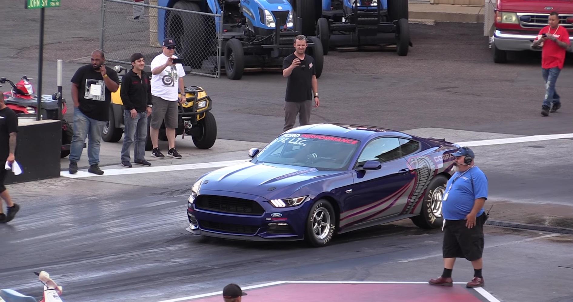 Video: 2016 Ford Mustang Cobra Jet Drag Racing at Bandimere Speedway