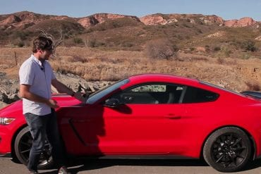 Video: 2016 Ford Mustang Shelby GT350 Test Drive Review