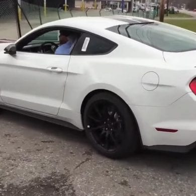 Video: 2016 Ford Mustang Shelby GT350 - Startup and Exhaust Sound - Interior Look