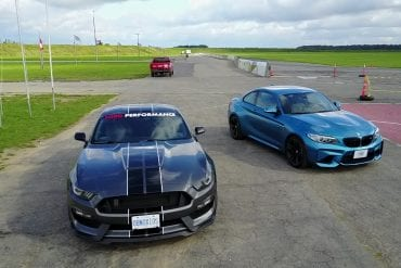 Video: 2016 Ford Mustang Shelby GT350 VS BMW M2 -Track Review