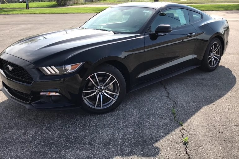 Video: 2017 Ford Mustang EcoBoost - Tour & Test Drive