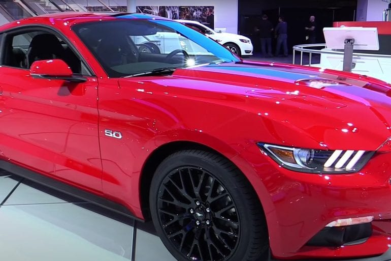 Video: 2017 Ford Mustang GT Premium Coupe - Exterior and Interior Walkaround