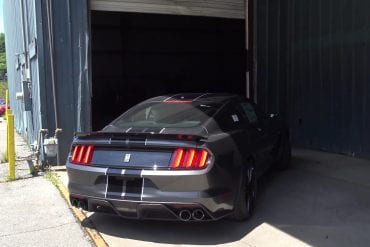 Video: 2017 Ford Mustang Shelby GT350 - Normal VS Sport Exhaust Mode Comparison