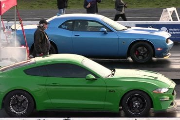Video: 2018 Ford Mustang GT vs 2019 Challenger Scat Pack - Drag Race
