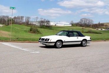 Video: 1983 Ford Mustang White Convertible Walkaround