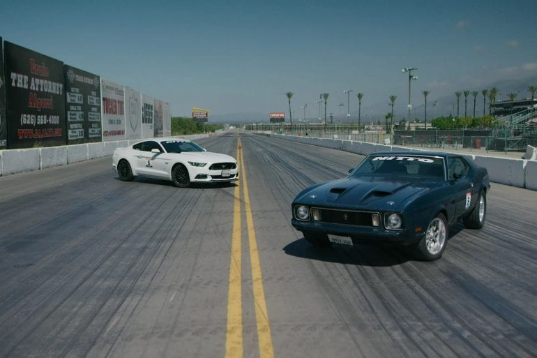 Video: 1973 Mustang Mach 1 vs 2016 Mustang GT Drag Race