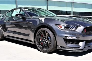 Video: 2019 Ford Mustang Shelby GT350R - Has the 350R Changed at All?