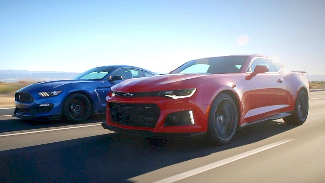 Video: 2017 Ford Mustang Shelby GT350R vs. 2017 Chevy Camaro ZL1